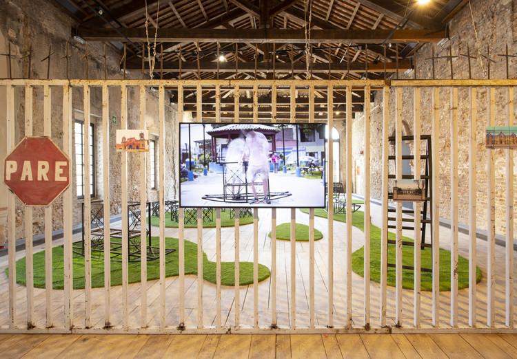 El pabellón de Perú en la Bienal de Venecia 2021 invita a transformar las rejas en dispositivos de integración, © Michele Agostinis
