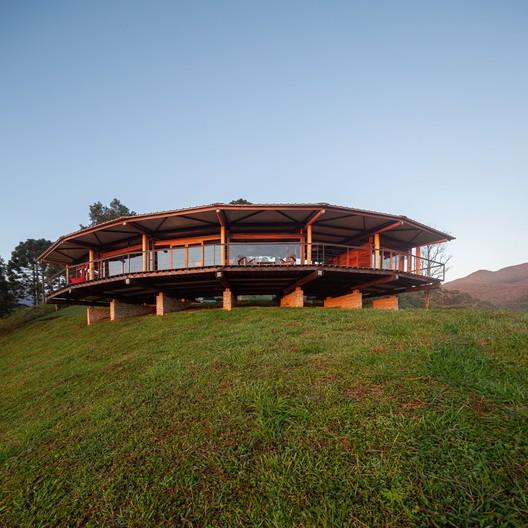 Casa Morro Cavado / Gui Paoliello Arquiteto