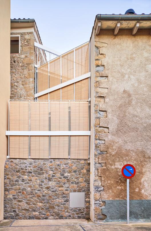 Renovation of a Village House in San Esteban d'en Bas / unparelld'arquitectes. Image © José Hevia