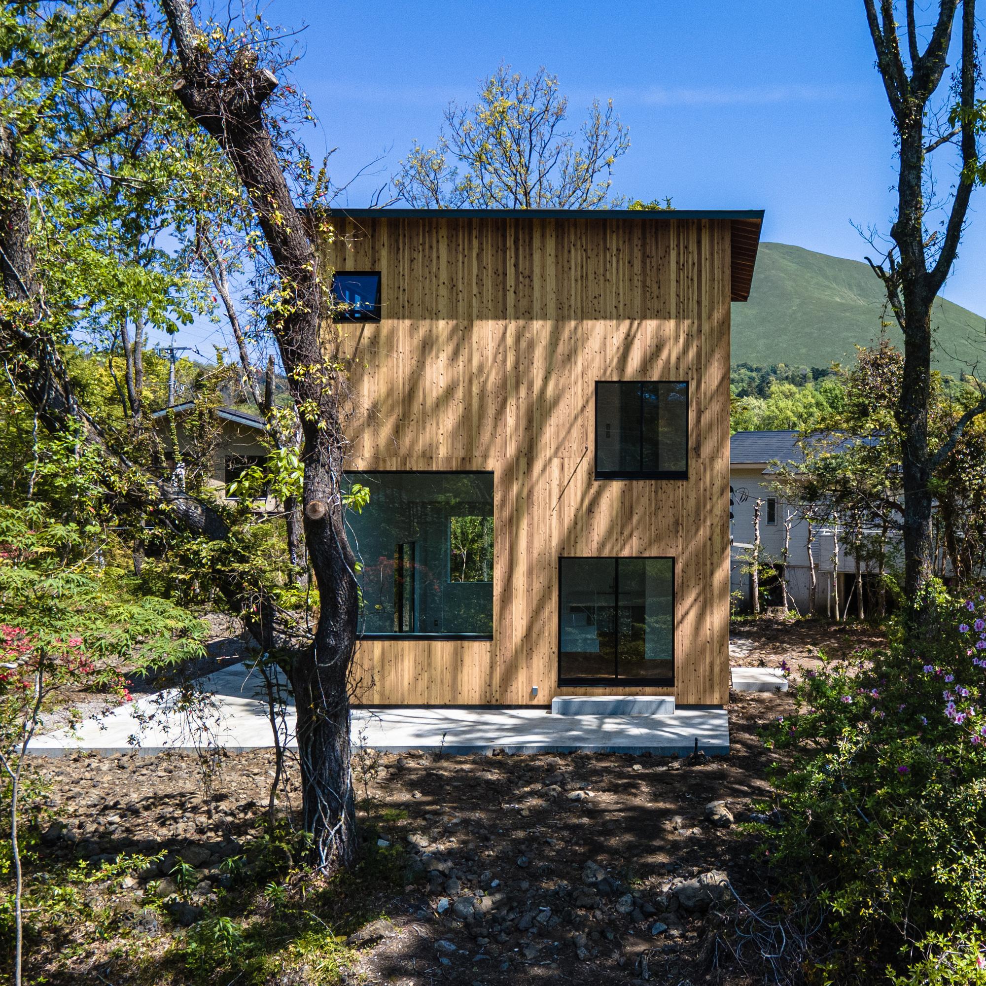 I House in Izu-Kogen / Florian Busch Architects