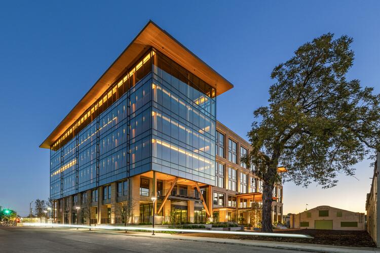 The Soto Office Building / Lake|Flato Architects + BOKA Powell, © Erika Brown Edwards, Travis W. Baker