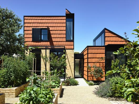 Casa Terracotta / Austin Maynard Architects