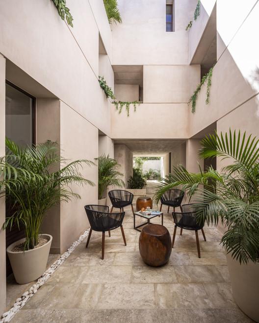 Ganadores de la XIII Bienal de Arquitectura Yucateca en México, Vivienda colectiva Kikí Tulum / Central de Proyectos SCP. Image © Eduardo Calvo Santisbón