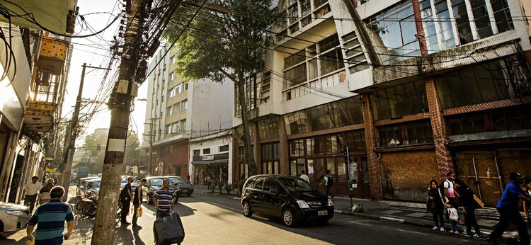 Rua Três Rios, en el barrio de Bom Retiro, en el centro de São Paulo Imagen: Eduardo Knapp / Folhapress