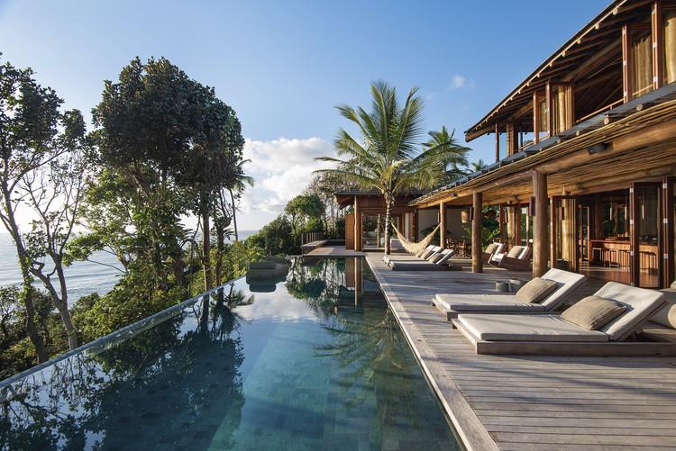 Hotel de playa Villas do Resende y Barracuda / UDesign Projetos e Consultoria + Cavani Arquitetos, © Tarso Figueira