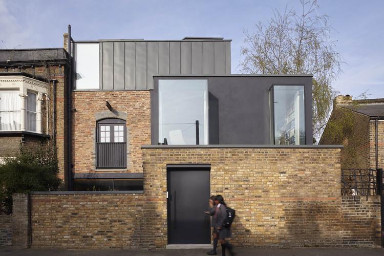 Renovación en Sewdley Street / Matthew Giles Architects, © Logan Irvine Macdougall