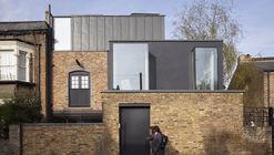 Renovación en Sewdley Street / Matthew Giles Architects