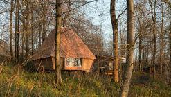 Woodland Cabin / AA Design and Make