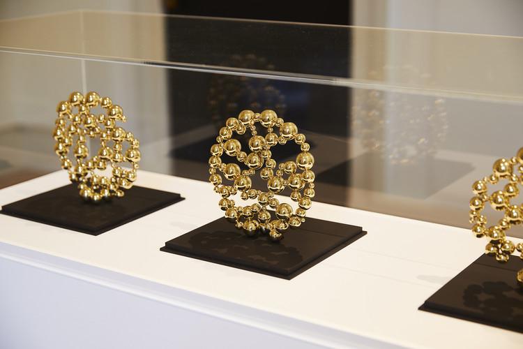 Die Medaillen der London Design Biennale wurden von der London Jewelers Partnership Shimell and Madden handgefertigt.  Bild mit freundlicher Genehmigung von ER