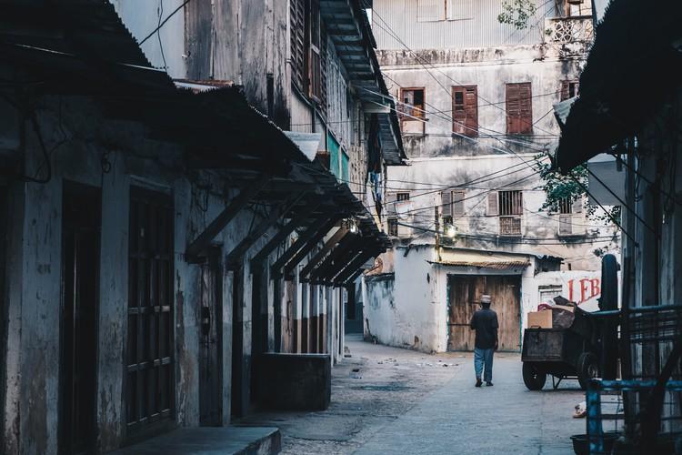 Ley del equilibrio: cómo el turismo arquitectónico puede ser más sostenible, Stone Town, Zanzíbar. Imagen © Javi Lorbada @javilorbada via Unsplash