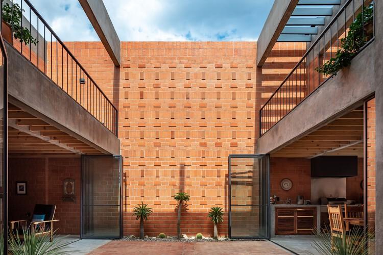 Casa Nuestro Sueño / Espacio 18 Arquitectura, © Onnis Luque