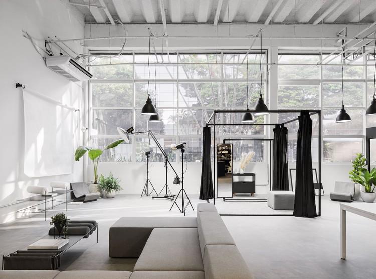 Oficina Guardaroba / SMF Archi Group + Sommacal Maia Arquitetos + MS. Fiacadori, © Carolina Lacaz