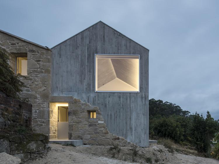 20 proyectos ganadores de la Bienal Española de Arquitectura y Urbanismo BEAU 2021, Rehabilitación de vivienda unifamiliar en Miraflores / fuertespenedo arquitectos. Image © Héctor Santos-Díez