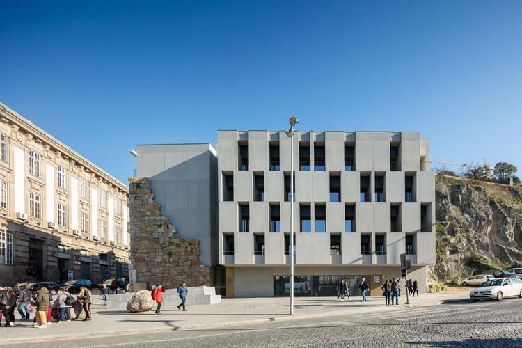 Edifício Residencial São Bento Residences / Pedra Líquida, © João Morgado