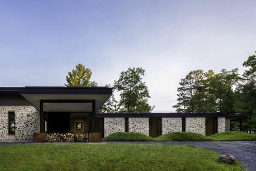 Casa de huéspedes Lago Spirit / Vetter Architects + Amy Carman Design