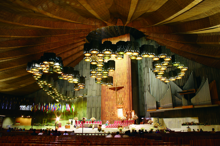 Fray Gabriel Chávez de la Mora recibe el Premio Nacional de Arquitectura 2020 en México, Interior de la nueva Basílica y conjunto Guadalupano. Image © David Martín del Campo. Libro: Gabriel Chávez de la Mora. Fraile + Arquitecto (Arquitonica 2021)