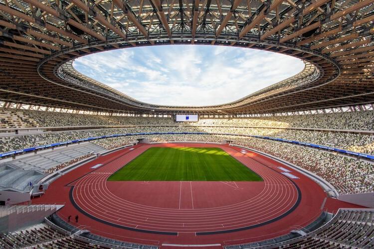 Urbanismo olímpico: más allá de los estadios y parques deportivos, Estadio Nacional de Japón por Kengo Kuma And Associates. Imagen © Japan Sports Associate