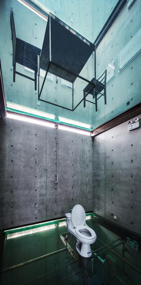 ¿A dónde van las aguas residuales de nuestros baños?, Vertical Glass House / Atelier FCJZ. Image Cortesia de Atelier FCJZ