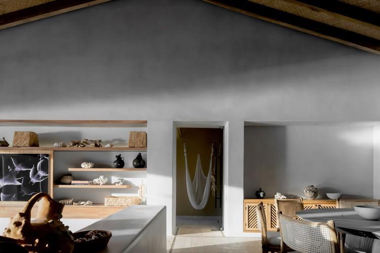 Punta Ixtapa House / Pseudónimo + Andrea Nova Interiorismo.  Изображение © Zaickz Studio