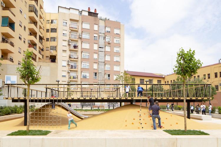 Playground Landscapes at Santa María Mazzarello Square / HDH arquitectos, © David Zarzoso