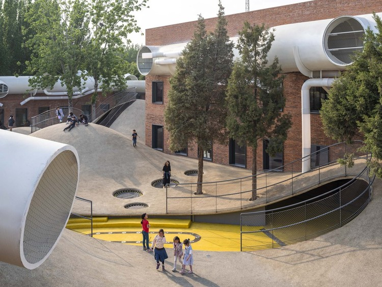 Design Communities for Children: 10 Exemplary Kindergartens in China, Children's Community Centre The Playscape / waa. Image © Fangfang Tian