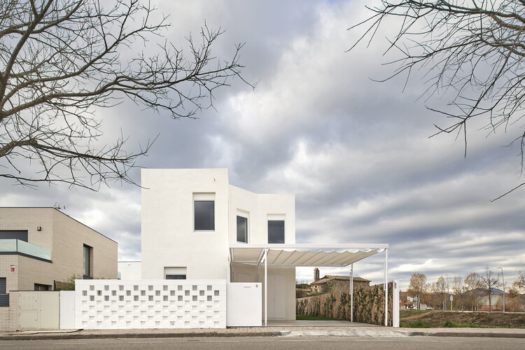 Casa entre palios / unparelld'arquitectes, © José Hevia