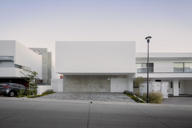 Casa Bonsai / Cotaparedes Arquitectos, © César Béjar