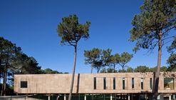 Centro de Alto Rendimento de Surf / Branco Cavaleiro Architects