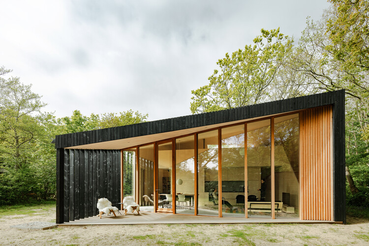 Casa de Férias / Orange Architects, © Sebastian van Damme