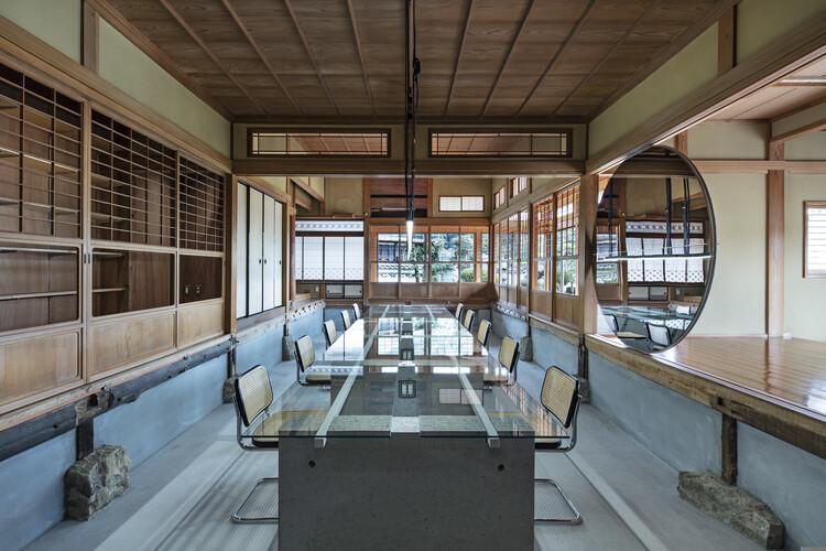 """Maruhiro Office """"Ouchi"""" / DDAA, © Kenta Hasegawa"""
