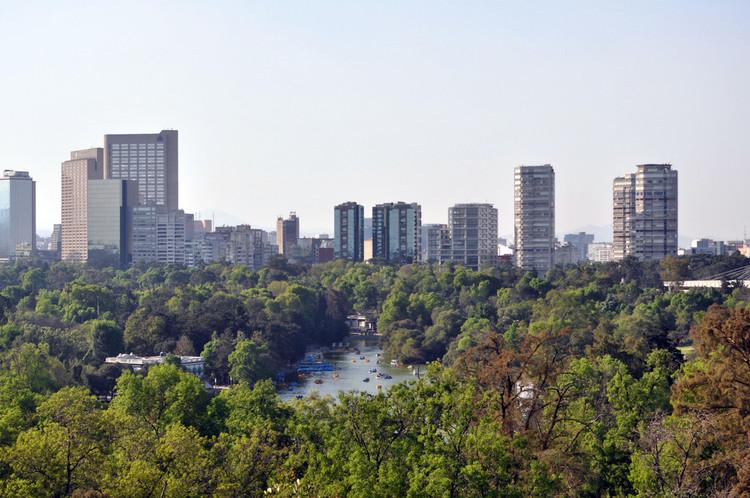 Renzo Piano projeta Pavilhão Contemporâneo de Chapultepec na Cidade do México, Vista do Bosque de Chapultepec. Imagem via MXCITY
