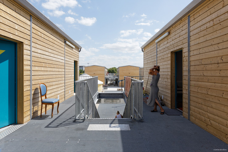 Shelter for Migrants and Travelers / Atelier RITA. © David Boureau