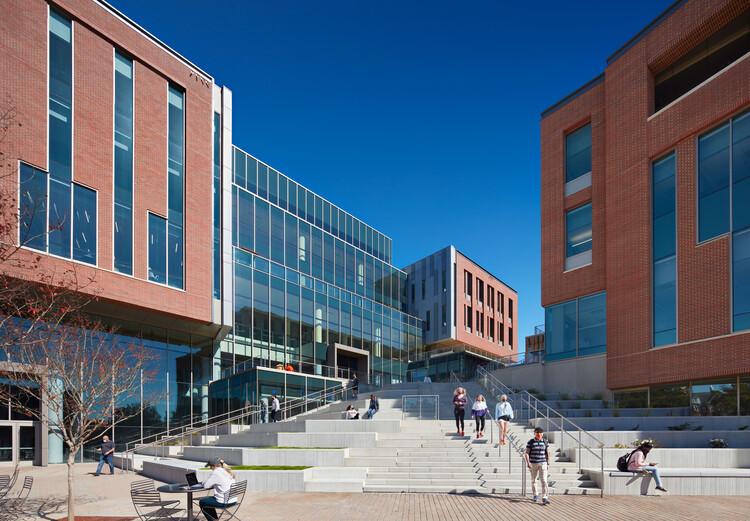 Universidad de Clemson y Facultad de Negocios / L3SP, © Mark Herboth Photography