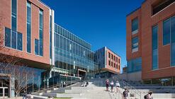 Universidad de Clemson y Facultad de Negocios / L3SP