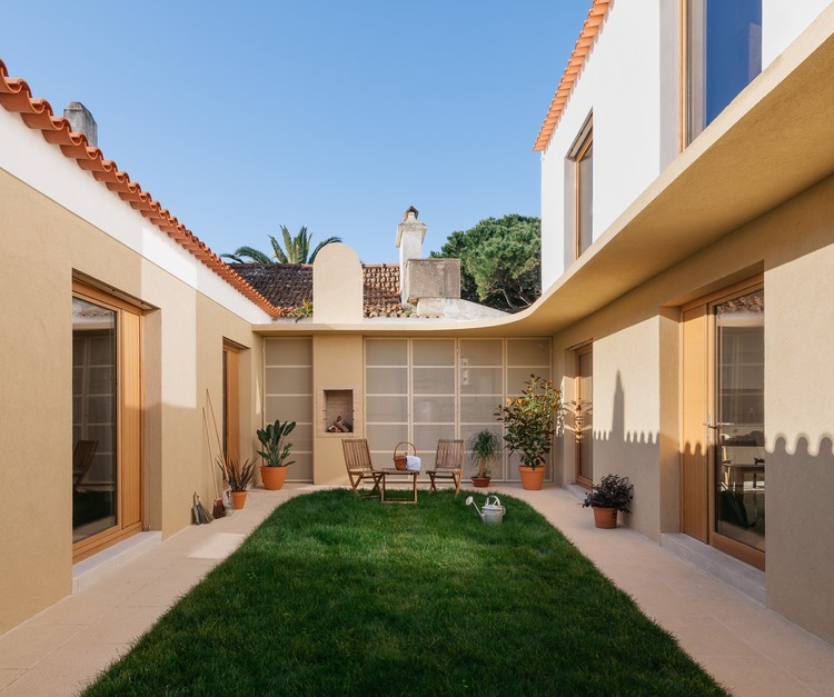Puppeteers House / REDO architects, © do mal o menos
