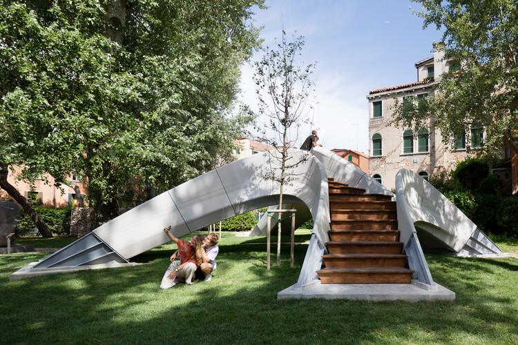 Striatus Bridge / Zaha Hadid Architects + Block Research Group, © naaro