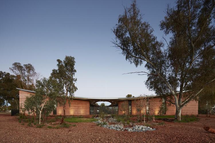 Centro de Saúde PAMS, Newman / Kaunitz Yeung Architecture, © Robert Frith