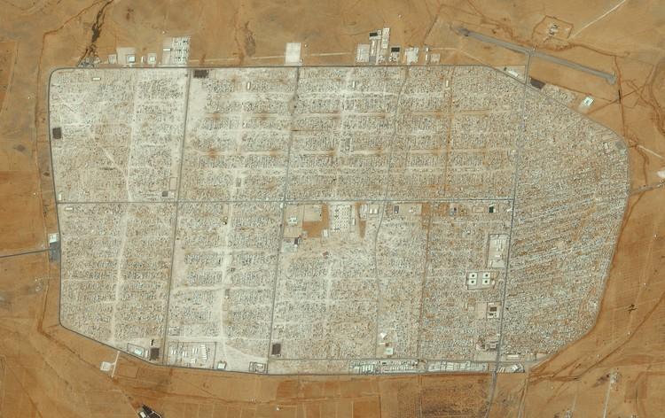 Лагерь беженцев Заатари в Мафраке, Иордания.  Создано @benjaminrgrant, исходные изображения: Terra Bella.  Изображение