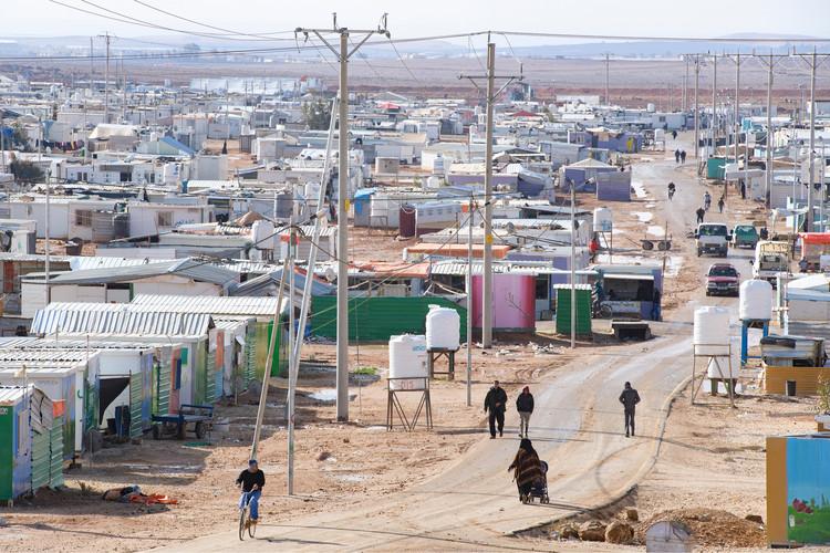Вид на лагерь беженцев Заатари на севере Иордании.  Изображение © Ричард Джульярт    Shutterstock