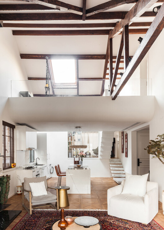 A 1930s Mansion Gets A Fusion Renovation / Residential interior