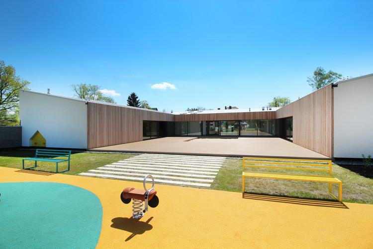 Jardín infantil en Adamów / xystudio, Cortesía de xystudio