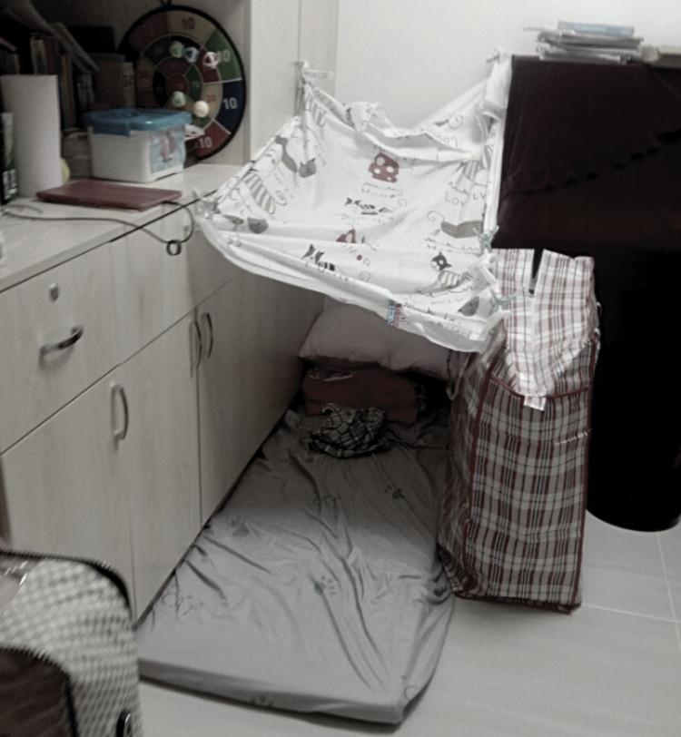 Между унитазом и стеной: сохраняющаяся проблема неподходящего жилья для домашних работников-мигрантов.  Изображение © Миссия для рабочих-мигрантов