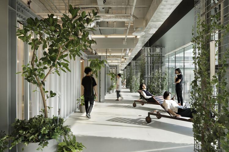 Centro de Innovación IHI [i-Base] / Nikken Sekkei, © Nacasa & Partners