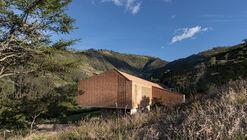 Casa Cangahua / Diez + Muller Arquitectos