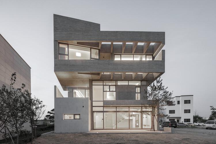 Casa L.M / DESIGN GROUP COLLABO, © Jae Yoon Kim