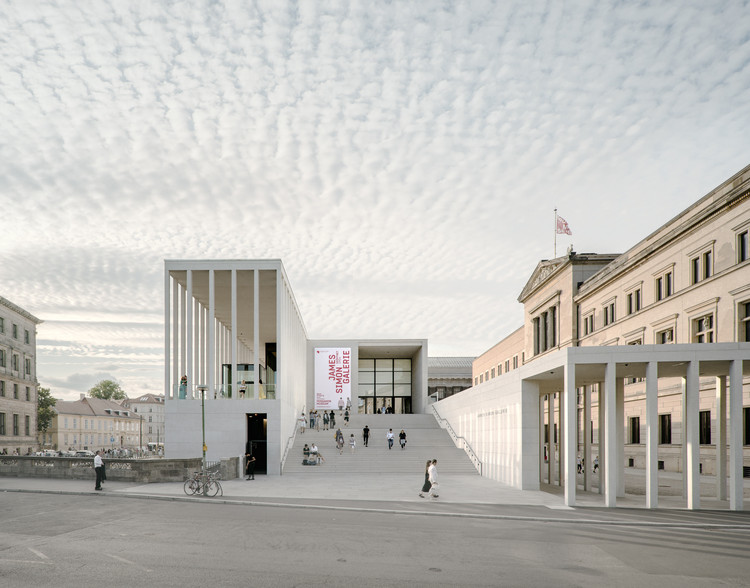 16 proyectos ganadores de los Premios Internacionales RIBA a la Excelencia 2021, Galería James Simon / DCA Berlin. Imagen © Simon Menges