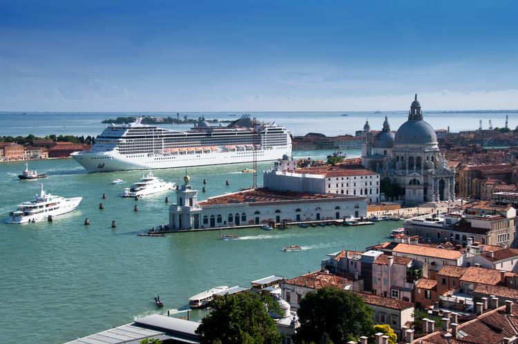 Itália proíbe a entrada de cruzeiros em Veneza, via Shutterstock