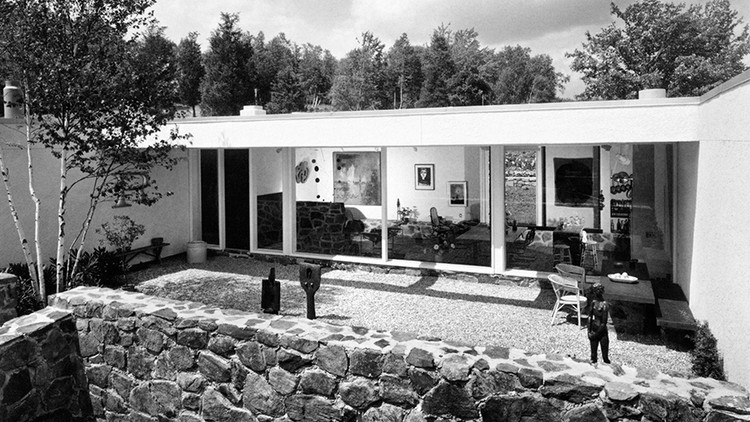 13 Architecture and Design Books to Add to Your Reading List, Stillman House II, courtyard with view into living area, 1966. Joseph W. Molitor. . Image Courtesy of Summitridge Pictures & Monacelli Press