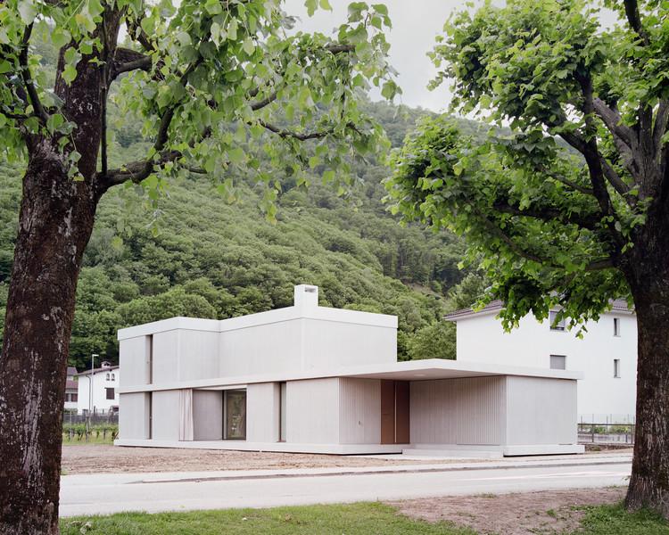 Zanini Porta House / Inches Geleta Architetti, © Simone Bossi
