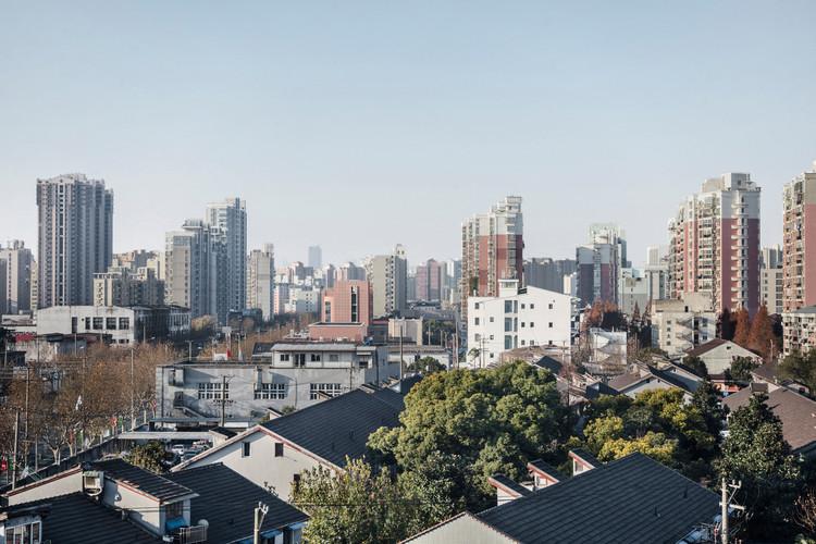 Fuli Garment Factory in an urban context. Image © Bowen Hou